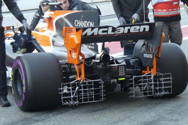 Stoffel-Vandoorne-McLaren-Aero-Rakes